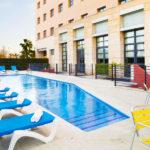 Hotel Holiday Inn Express Ciudad de las Ciencias: Hotel en Valencia Piscina Exterior