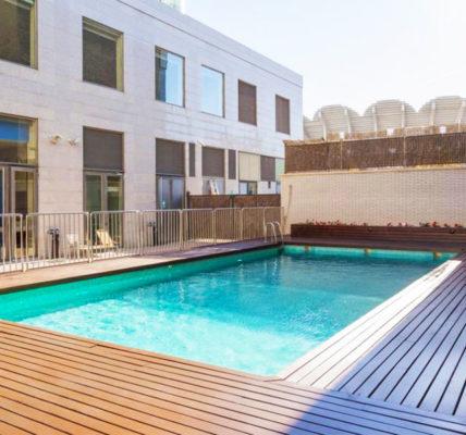 Hotel piscina Ilunion Valencia 3
