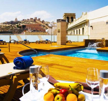 Piscina AC Hotel Almeria