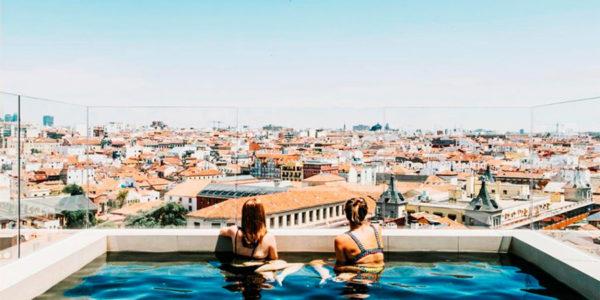 Piscina Dear Hotel Madrid