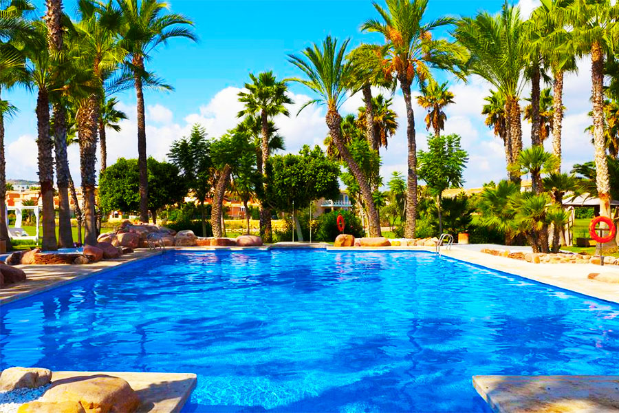 Piscina Hotel Alicante Golf