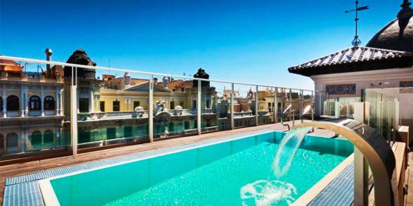 Piscina del Hotel Catalonia Gran Via