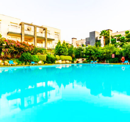 Piscina Hotel El Plantio Golf Resort