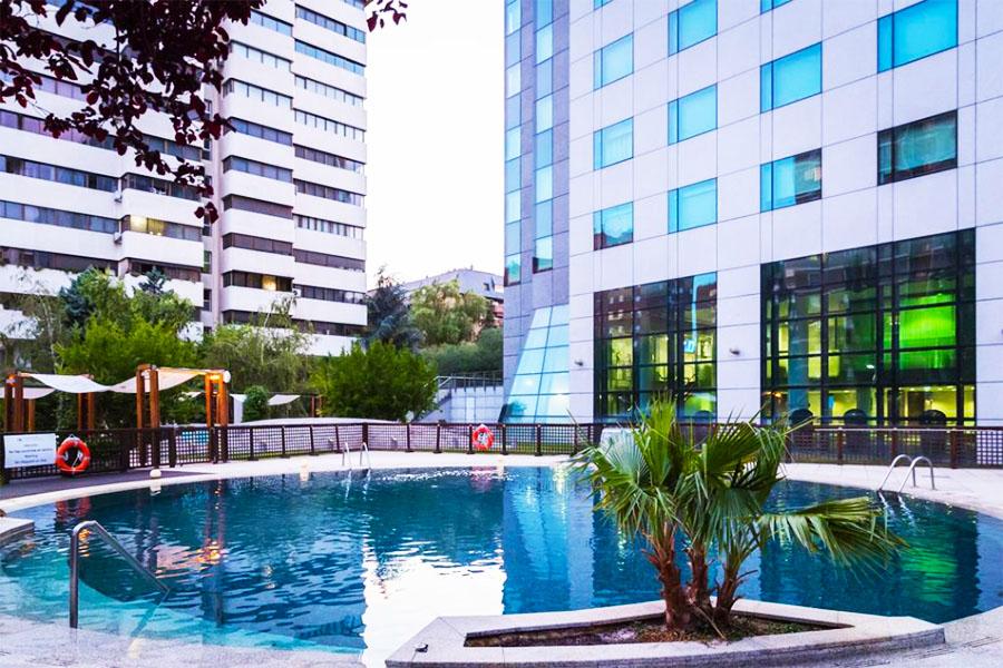Piscina Hotel Eurostars Suites Mirasierra