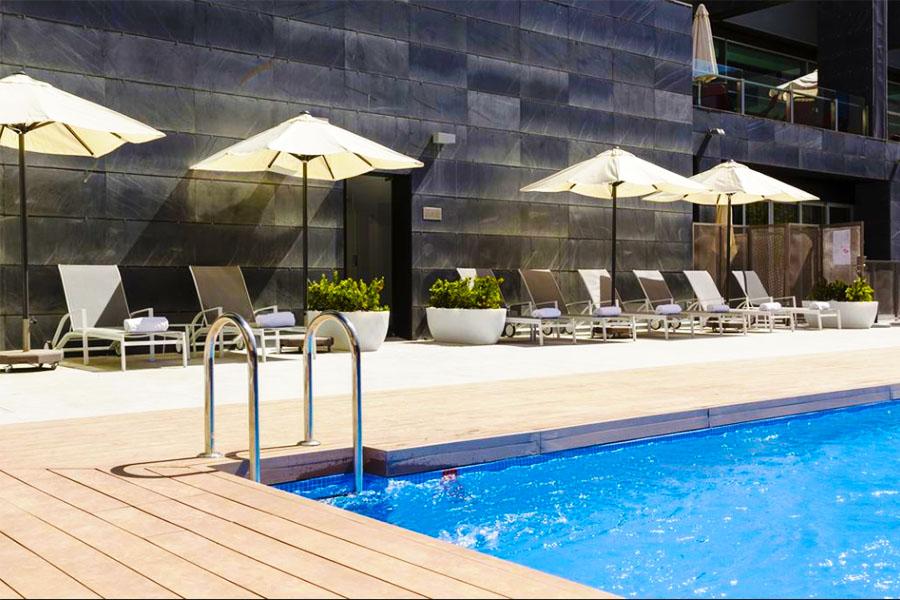 Piscina Hotel Ilunion Atrium