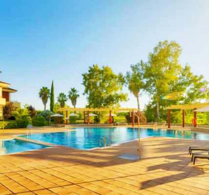 Piscina Hotel Ilunion Golf Badajoz