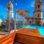 Hotel La Catedral: Hotel en Cádiz Piscina Azotea Vistas a la Catedral