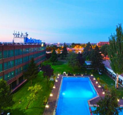 Piscina Hotel Melia Barajas