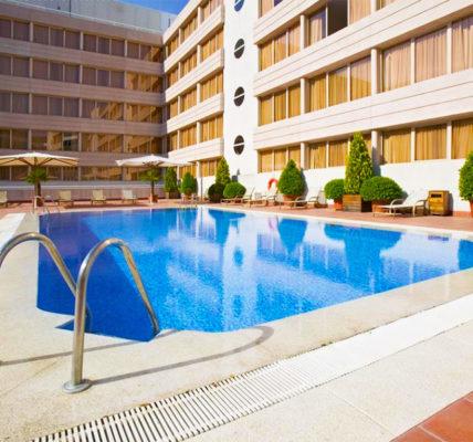 Piscina Hotel Novotel Campo De Las Naciones