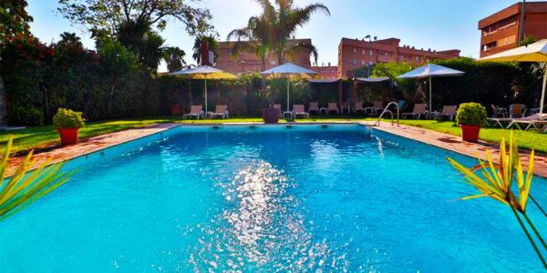 Piscina Hotel Oasis Cordoba