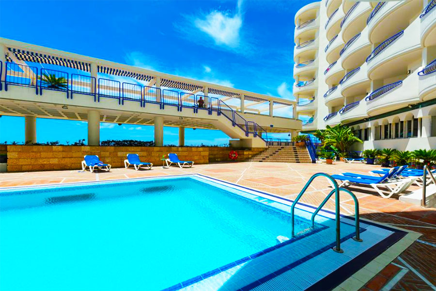 Piscina Hotel Playa Victoria