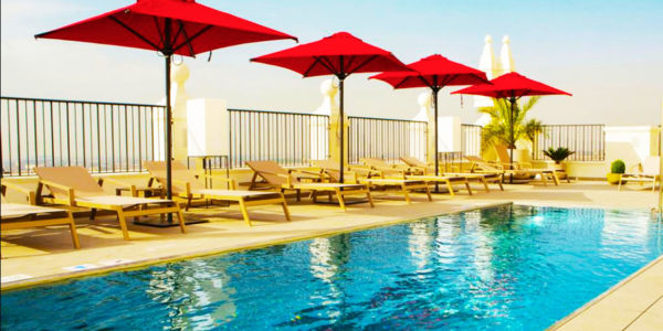 Piscina Hotel Riu Plaza España