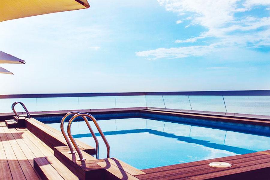 Piscina Hotel Sercotel Suites del Mar