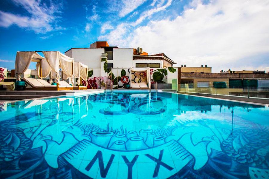 Piscina NYX Hotel Madrid by Leonardo Hotels