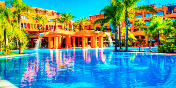 Piscina Royal Hideaway Sancti Petri by Barcelo Hotel Group