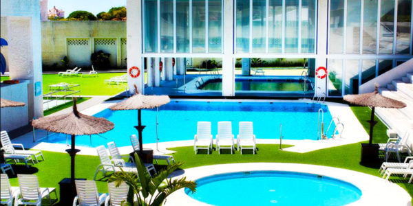 Piscina Suites Puerto Sherry