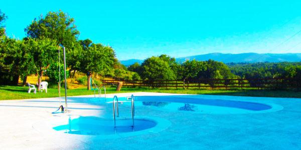 Camping con piscina Zamora Cabañas Maleixas