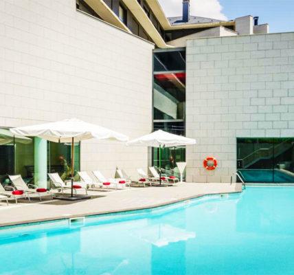 Hotel con piscina Jaca Eurostars Reina Felicia Spa