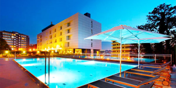 Hotel con piscina bilbao Occidental Bilbao