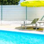 Hostal Sleep & Stay - La 19: Alojamiento en Girona Piscina Exterior