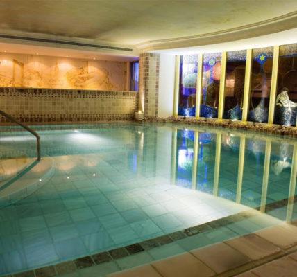 hotel con piscina granada Los Angeles Hotel Spa
