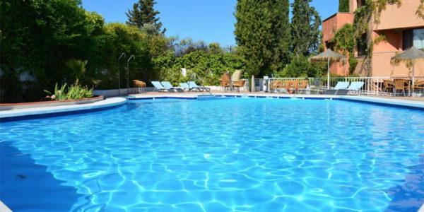 Hotel con piscina Granada hotel alixares