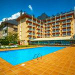 Hotel Oroel: Hotel en Jaca Piscina al Aire Libre