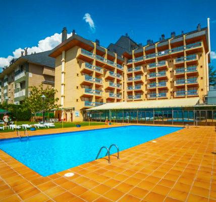 Hotel con piscina Jaca Hotel Oroel