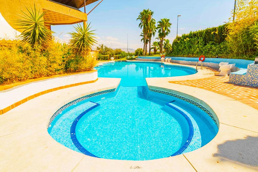 Hotel con piscina Jaén HO Ciudad de Jaén