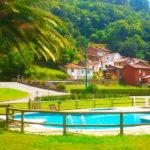 Chalet Casa de Aldea Mariana: Chalet en Oviedo Piscina al Aire Libre