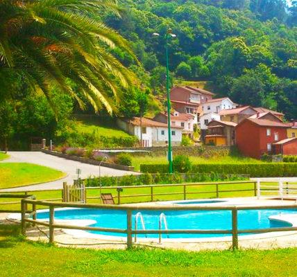 hotel con piscina oviedo Casa de Aldea Mariana