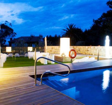Hotel con piscina Santander Costa Esmeralda Suites