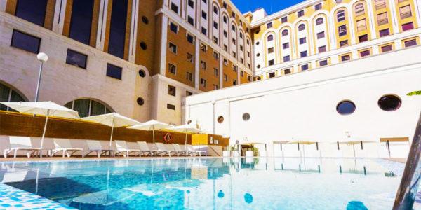 hotel con piscina sevilla Ayre Hotel Sevilla