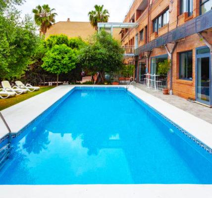 hotel con piscina sevilla AACR Hotel Monteolivos