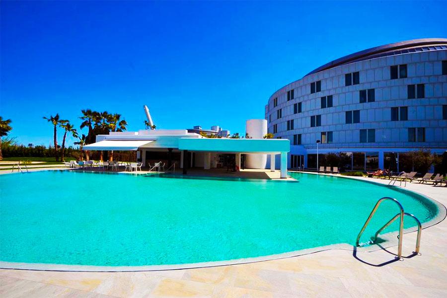 hotel con piscina sevilla Barcelo Sevilla Renacimiento