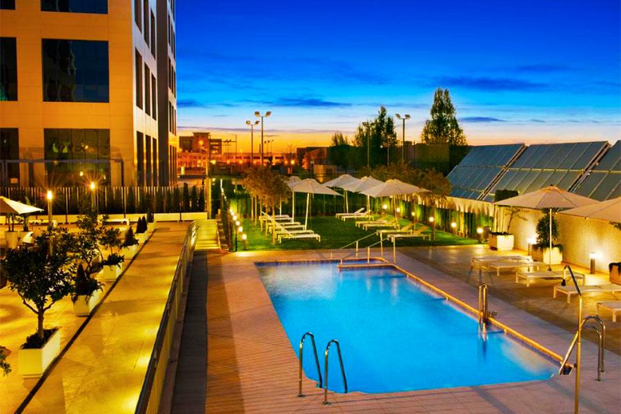 hotel con piscina sevilla Hilton Garden Inn Sevilla