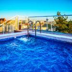 Hotel Plaza Santa Lucía: Hotel en Sevilla Piscina con Vistas al Centro Histórico