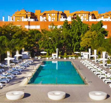 hotel con piscina sevilla Melia Lebreros
