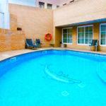 Aparthotel Los Girasoles: Alojamiento en Zaragoza Piscina Exterior