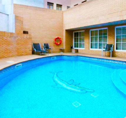 Hotel con piscina Zaragoza Aparthotel Los Girasoles