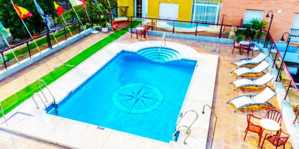 Hotel Jaen con piscina Hotel Infanta Cristina