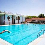 Pamplona Camping, Glamping & Dorms: Camping en Pamplona Piscina al Aire Libre