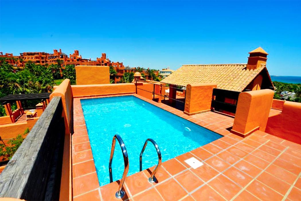 Aparthotel Novo Resort piscina privada habitacion