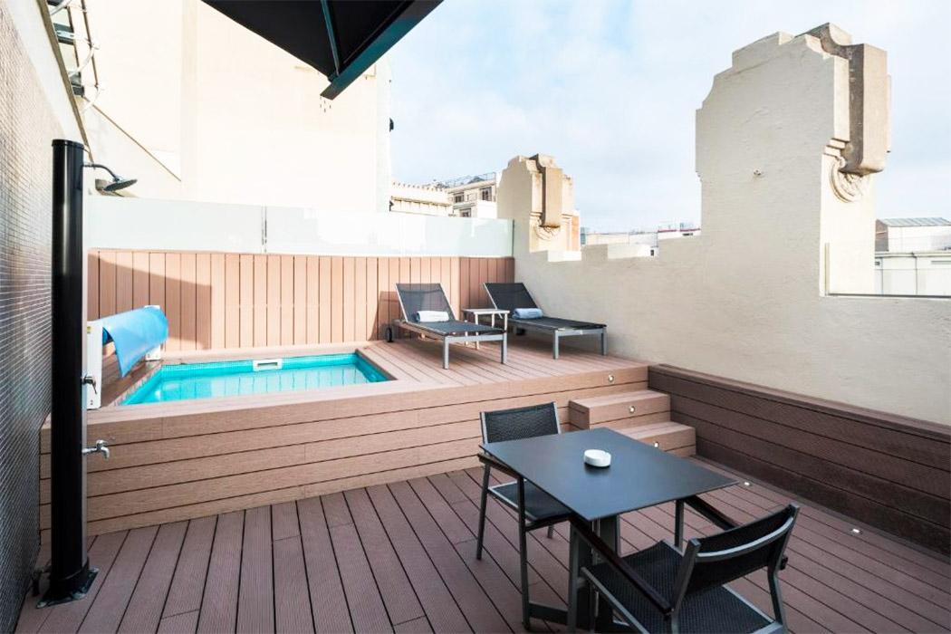 Catalonia Catedral piscina privada habitacion