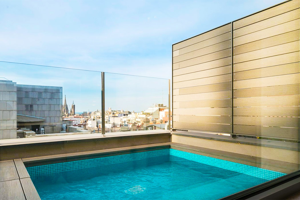 Hotel Catalonia Square piscina privada habitacion