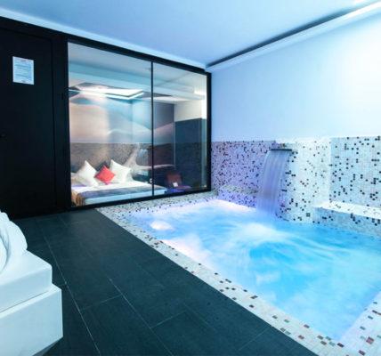 Hotel Loob piscina privada habitacion madrid