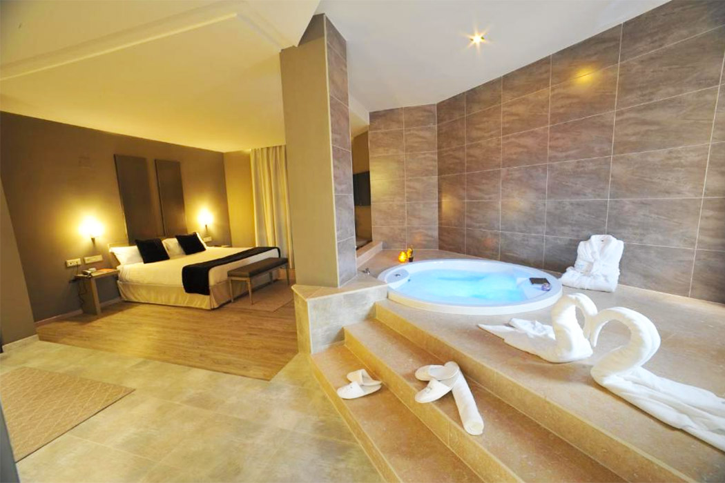 Hotel Luve piscina privada habitacion