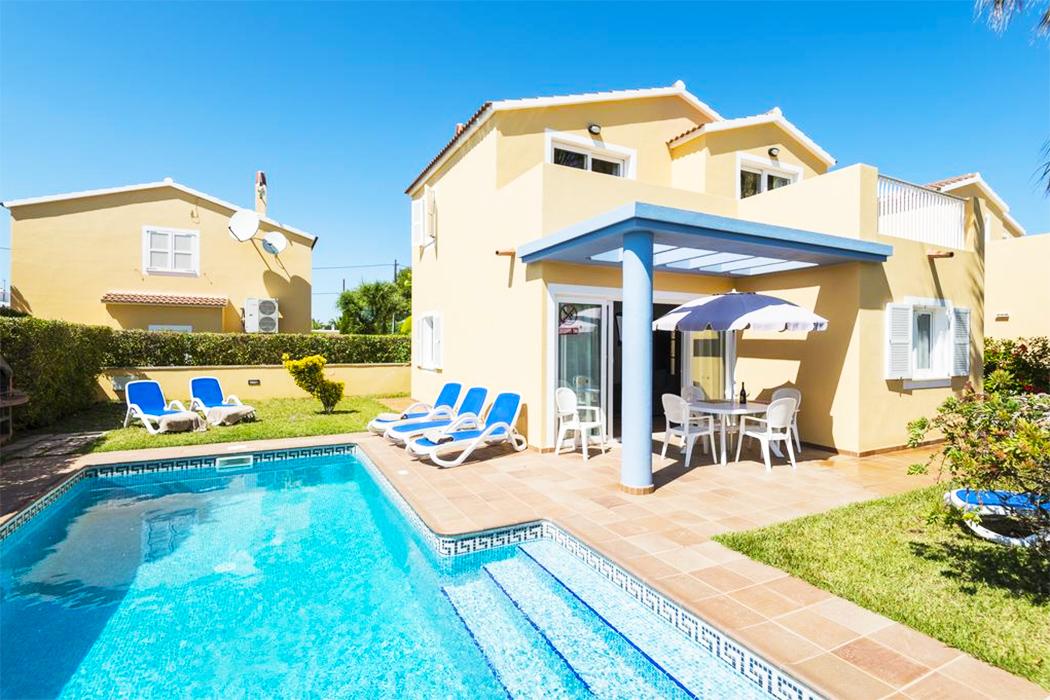 Hotel Villas Amarillas piscina privada menorca