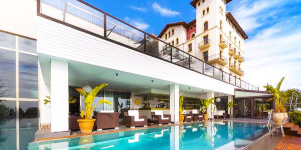 Piscina Gran Hotel La Florida G.L Monumento