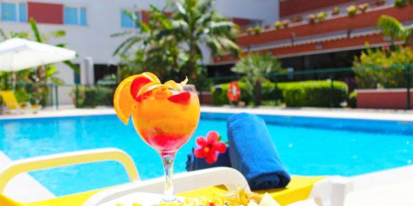 Piscina Hilton Garden Inn Malaga